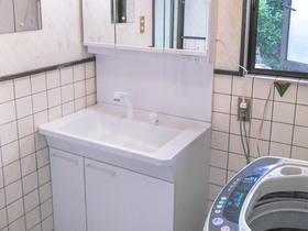 洗面リフォーム割れにくいボウルがついた、使い勝手の良い洗面台
